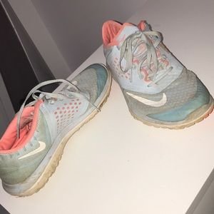Size7 Nike sneakers- free with any purchase